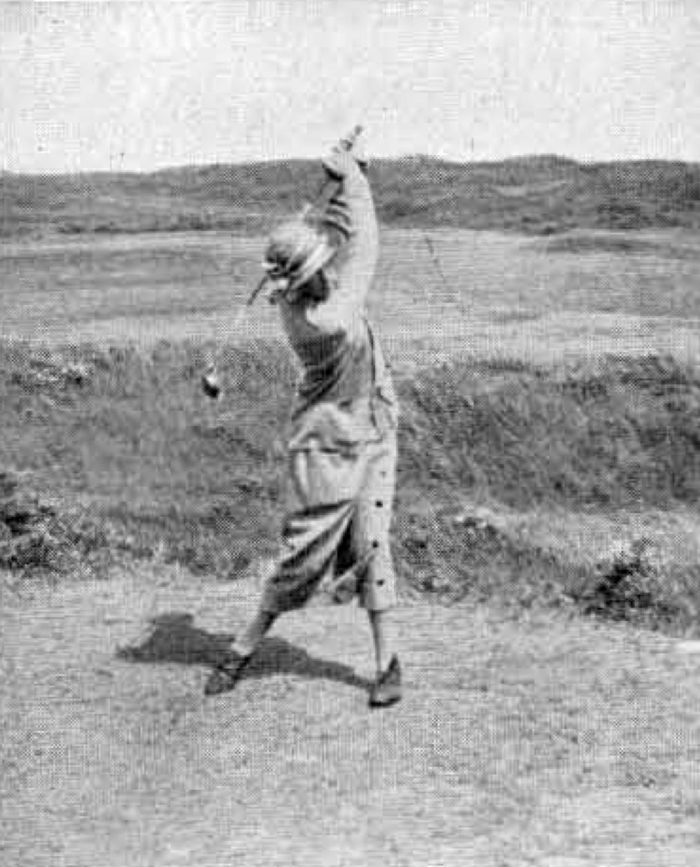 B. van Tienhoven na een drive - 1924