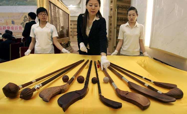 Suigan (of Chuiwan), speelstokken (replica's)